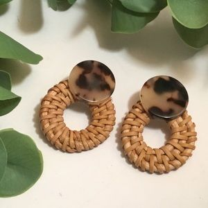 New Woven and Tortoise Shell Pattern Post Earrings